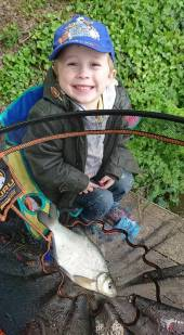 Harry Simmons (our 4.5 year old Grandson and part-time bailiff!) has caught his first fish! Harry fished peg 1 of the Match Lake with his Dad, Ben, and had 7 fish in total including this nice bream.