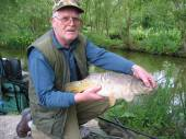 Dad (of Jason Ashley) caught a 7lb mirror on light tackle and centre pin reel - well done Dad!