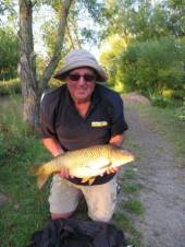Bob Rothwell with a super 9.5lb common from the Carp Lake caught on paste.